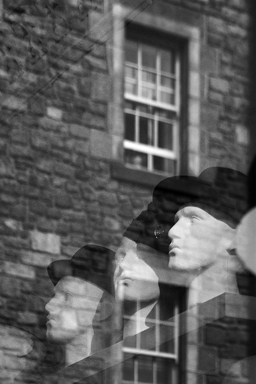 reflected hats, foto tours edinburgh